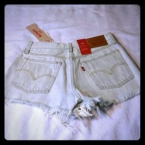 Levi's distressed high-rise wedgie fit
